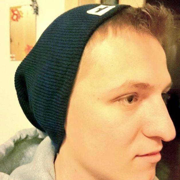 Neue (blaue) Mütze. Alkohol war auch dabei #Eristoff